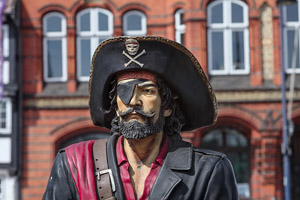 Popcorn Time ist illegal. Das Bild zeigt einen Piraten, da es sich um TV Piratrie handelt